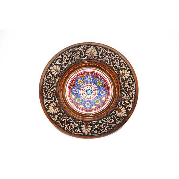 home decor wooden plate with a unique design